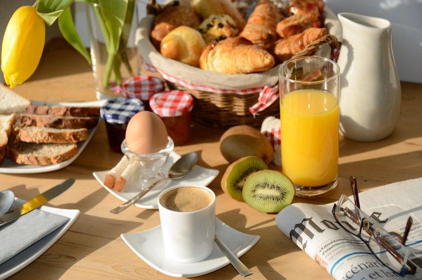 Besser als BILD & Co. – Kreieren Sie Ihre eigene Morgenzeitung für Ihre Gäste!