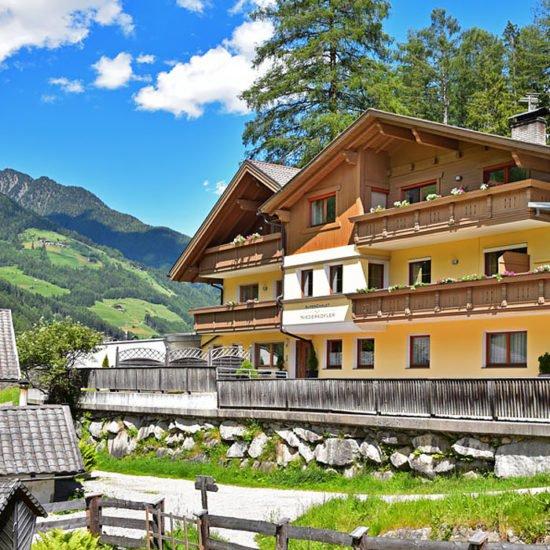 Alpenchalet Niederkofler***
