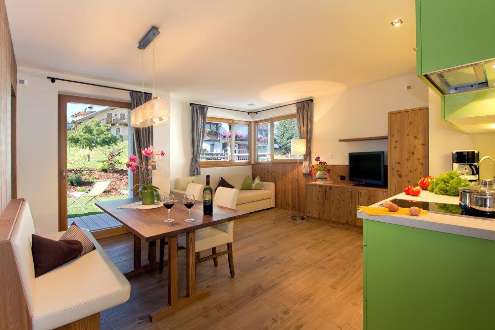 appartements-cornelia-kastelruth-wohnraum